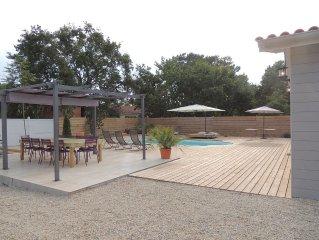 Maison de 150 m2 avec piscine chauffée à 500 m des plages