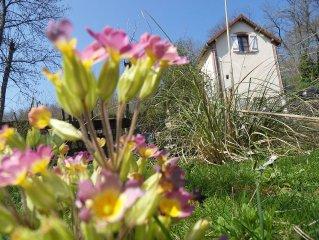 Quiet Petite Gare de Lonceux lodging, country, garden, mill to visit