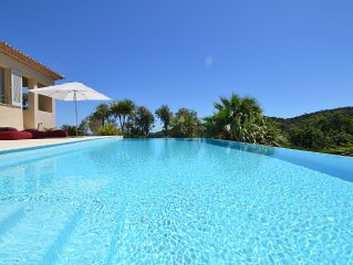 St Tropez, Superb Villa, Sea View, Private pool, beach at 3km