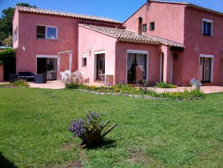Villa in the Var hill 15 minutes from the beaches with swimming pool and jacuzzi