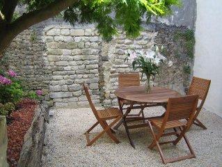 2/4 personnes au coeur de Bayeux avec petit jardin privatif
