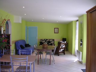 Cottage in the heart of the Drome, 2 bedrooms, sleeps 6, fully equipped