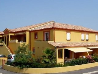 Résidence méditerrannéenne, piscine, grand  privé fermé. 3 clés