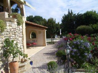 Grand appartement dans villa de charme  avec piscine en  Provence  (Luberon)