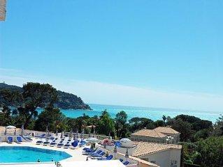 Vue magnifique  baie de Villefranche dans residence de tourisme avec piscine