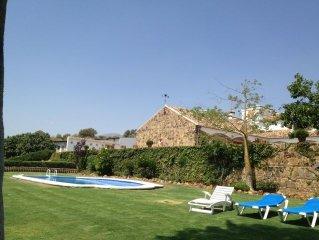 Villa avec piscine, dans propriete de 100 ha, Sierra de las Nieves, 12 personnes