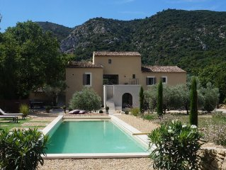 In a superb site mas 200m² renovated with heated pool and treated with salt