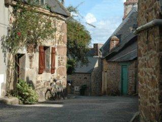 Maison de pêcheur rénovée à Perros Guirec - tout confort - poële dans cheminée