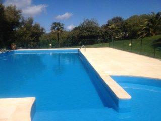 2 pieces Rez de jardin vue mer dans residence de standing avec piscine