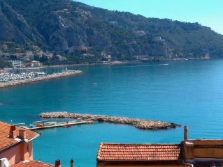 Apartment 2 rooms with sea view in Old Menton 2 minutes walk from the beach