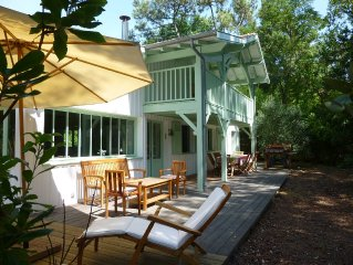 wooden villa for 8 people in the 44 ha in Cap Ferret, 200m from the beach
