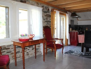 Stone House St Mamet 1 km from Luchon spa, hiking and skiing