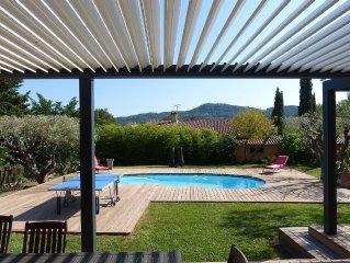 Villa plein Sud, à 2 pas du village du beausset, piscine chauffée, très calme