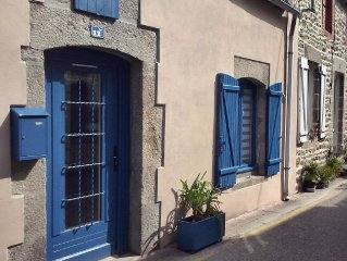 renovated fisherman's house 100 meters from the port (** furnished flat)