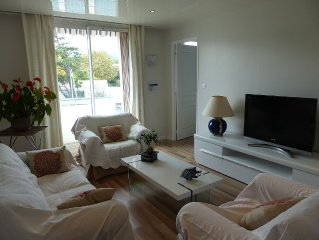 T3 60 m2 apartment 3 minutes walk from the sandy beach of sablettes