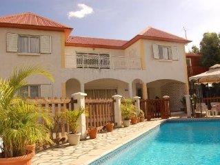 Charmante Villa située à L ile de la Reunion avec piscine privée