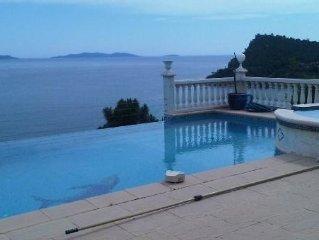 Villa climatisee avec vue feerique sur la mer