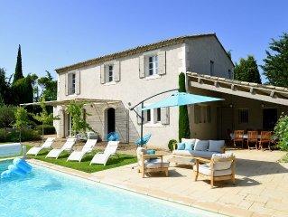 Saint-Rémy-de-Provence, à 4 kms, mas de charme au calme absolu, à pied du centre