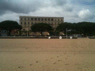 Appartement ds residence classée,vue sur mer première ligne,centre ville parking