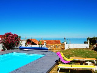 FACE SEA, Views on the islands, Great house 12-14 people with swimming pool