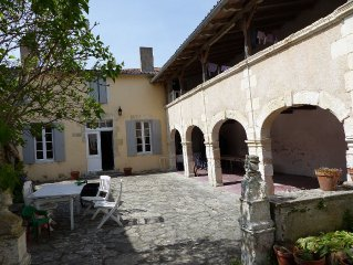 Ars-en-Ré, Large house of character, kind family house with large garden.