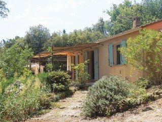 Maison independante en  Provence dans vaste espace boise avec pisci