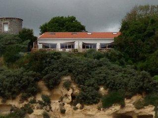 Vue imprenable sur mer maison avec terrasse au calme