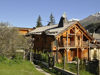 Character apartment in a chalet on the slopes Serre Chevalier 1400