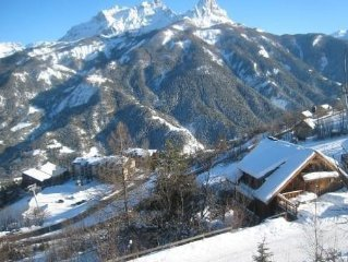 PRALOUP 1500. Chalet Foot of the ski lifts. 6/8 pers.
