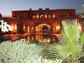 Villa spacieuse 2 à 16 pers. en exclu, avec piscine, jardin clos sans vis à vis.
