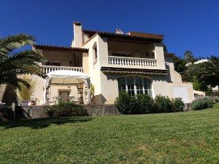 Studio 30M2 en RDJ. de villa au calme dans un cadre de verdure + terrasse ext.