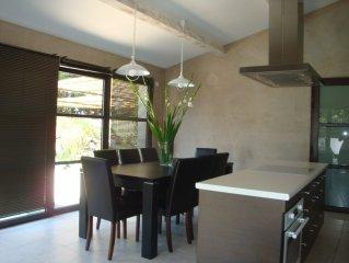 Maison d'hotes avec terrasse et piscine privee proche Avignon- Acces Wifi