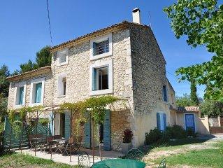 Beautiful old farmhouse with pool near Ventoux. 5 km to Venasque. 30 km Avigno