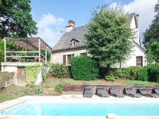 Maison ancienne de caractère, piscine privée, 6 personnes, 3 chambres