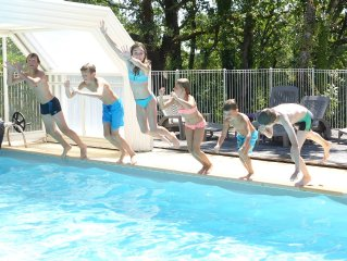 En Pleine nature, près de Sarlat, gîte avec piscine couverte et chauffée