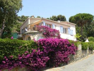 Maison climatisee vue sur la mer avec  terrasse et grand  jardin et internet