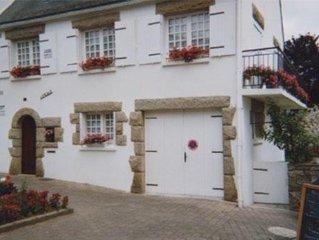 MAISON appart 110 m2 avec Wifi. jardin clos ,prox commerces et Mer du Golfe .