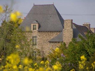 Gite de caractere dans manoir du XVIIe siecle, loft confortable, vue sur jardin