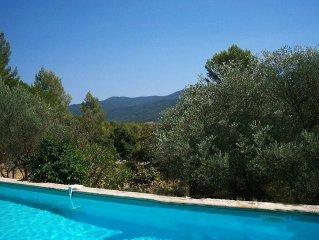 Maison Individuelle, Piscine, entourée de forêts et de vignes, calme