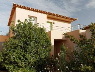 T2, 2 to 3 people, Porto-Vecchio, cleaning and sheets included.