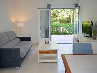 Two rooms + terrace, ground floor villa in the quiet between sea and mountains