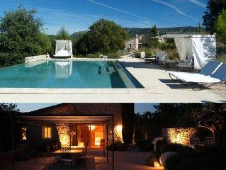 Demeurre en pierre du XVIIème siècle, 300m2, grande piscine chauffée, billard,..
