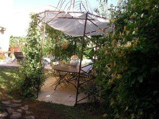 Maison provençale, «le paradis des enfants « proche du centre ville