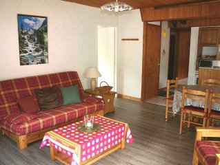 Cauterets apartment 2 bedrooms 60m2 south balcony 50 meters Gondolas and Baths