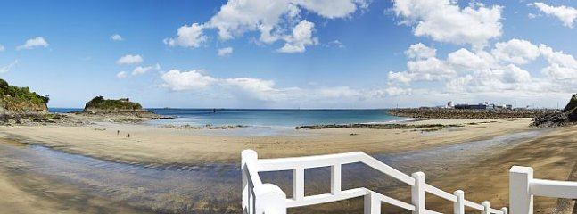 panoramique: plage de la Comtesse