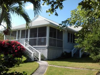 Beautiful home with wifi, tv, A/C, private dock, pool & backup generator power