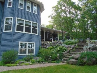 Large Farmhouse on 6 Acres/300 Feet of Private Lakeshore (free pontoon included)