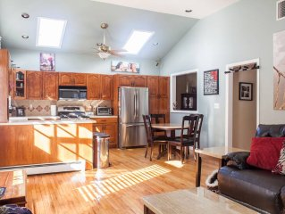 Gorgeous Home in Bergen Cnty by NYC.Ideal for families & small groups (Jacuzzi)