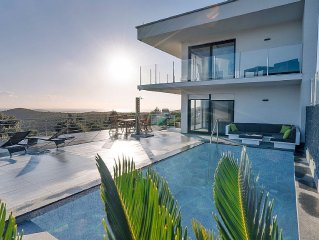 Family friendly Luxury Villa With Private Pool and stunning view