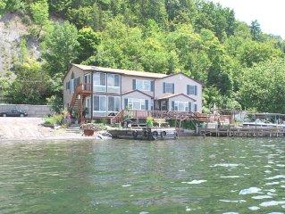 Beautiful lakeside home with panaramic lake views and level lakefront